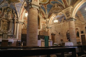 castelbasso interno chiesa s. Pietro e s.Andrea